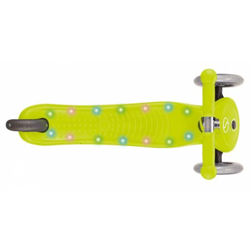 Paspirtukas su LED platforma Globber PRIMO STARLIGHT / Lime Green nuo Globber
