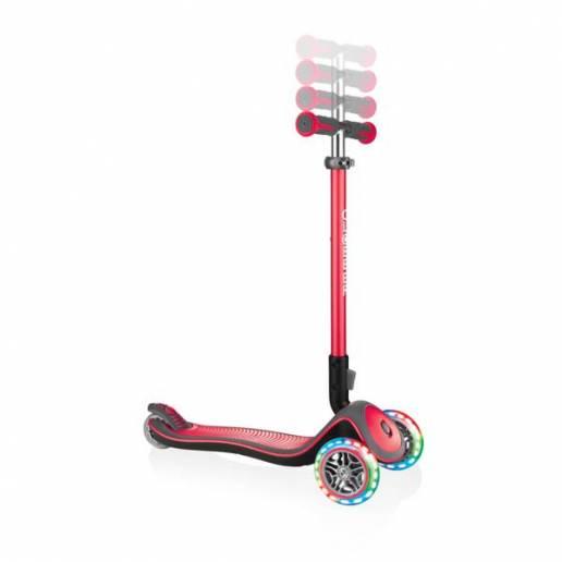 Triratukas su šviečiančiais LED ratukais Globber Elite Deluxe / New red nuo Globber