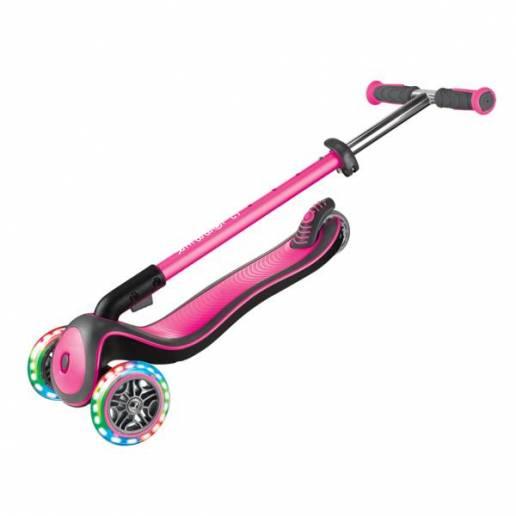 Paspirtukas su LED ratukais Globber Elite Deluxe / Deep pink - Skrejriteņi ar trīs riteņiem